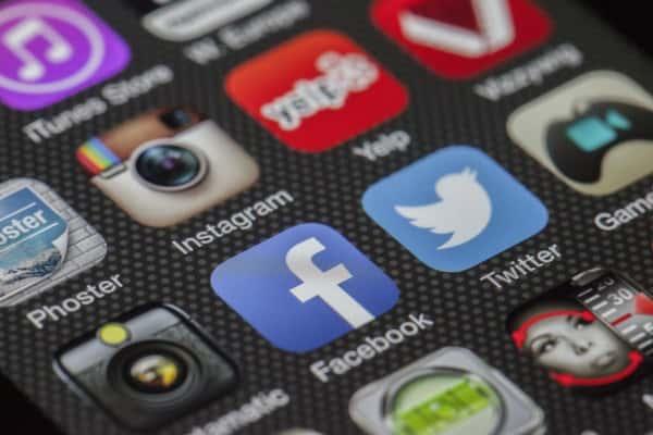 Zašto koristiti društvene mreže u poslovne svrhe – infografika